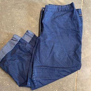 NEW YORK & COMPANY  Capri jeans 12